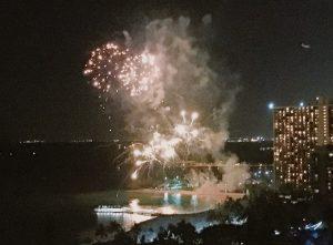 trump-waikiki-d-fireworks2