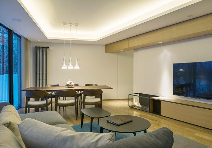 KZ-living-dining-fireplace