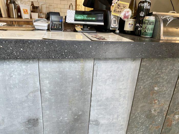 bricolage-bread-counter-detail